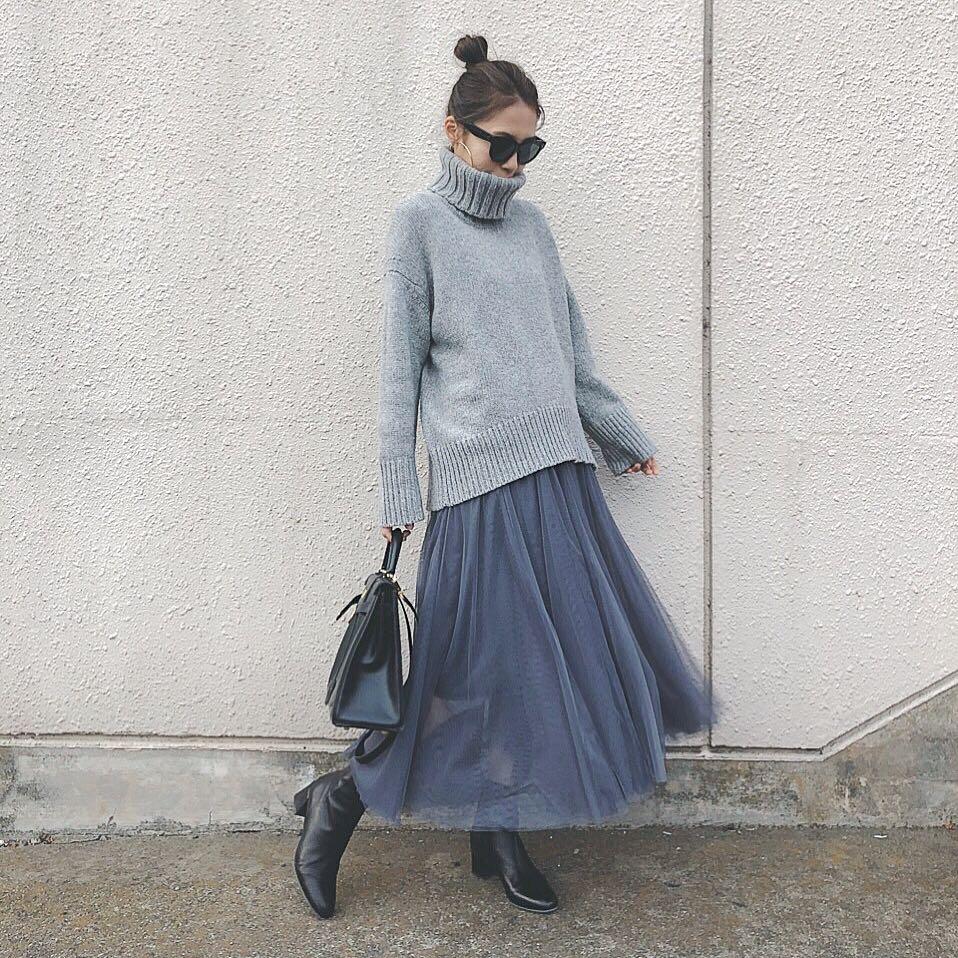 coordinate このチュールスカートは春まで使えそう🦋 ギャルリーヴィーのニット、ベージュも欲しいな〜☺️ ...... tops : @galerievie_jp  skirt : @fifth_store  #チュールロングスカート 今60%OFFクーポン出てました🥳 shoes : @fabiorusconi_japan  bag : @hermes